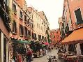 Les Mumm Market In Venice