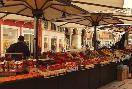 Les Mumm Verona Market